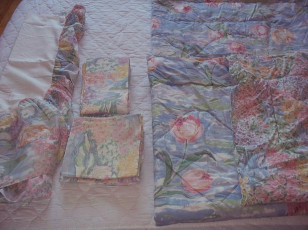 Eileen  West Vintage bedding