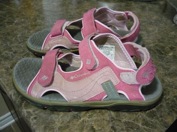 Columbia Youth Sandals - Size 5