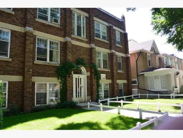 Bachelor Apartment Rental Near Downtown 2129 Hamilton St