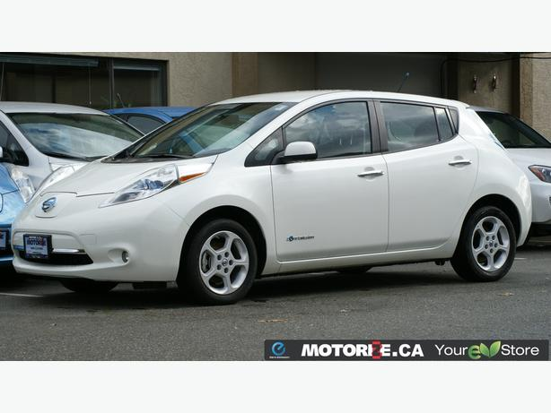 2013 Nissan LEAF SV – Quick Charge Package – Premium Package – STK#M8633