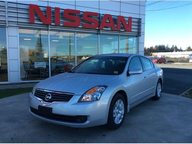 Great 2009 Nissan Altima 2.5 S Great Fuel Economy!