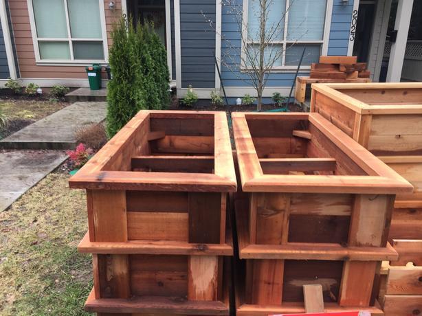 CEDAR PLANTER BOXES / GARDEN BEDS