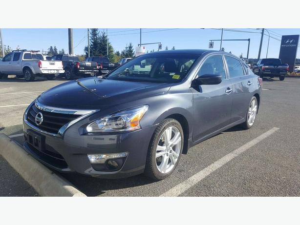 2013 Nissan Altima 3.5 SV - Loaded! Heated Seats, Bluetooth!
