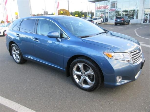 2011 Toyota Venza V6 AWD One Owner Sunroof