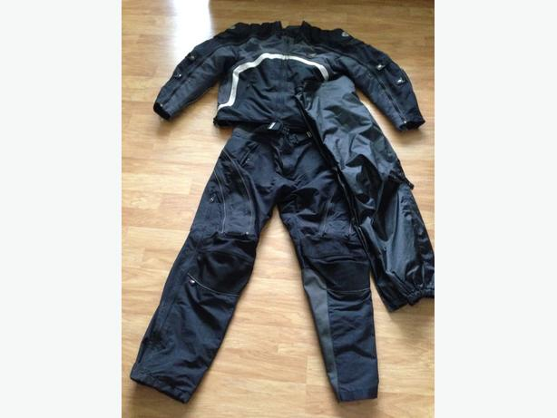 motorcyle riding gear