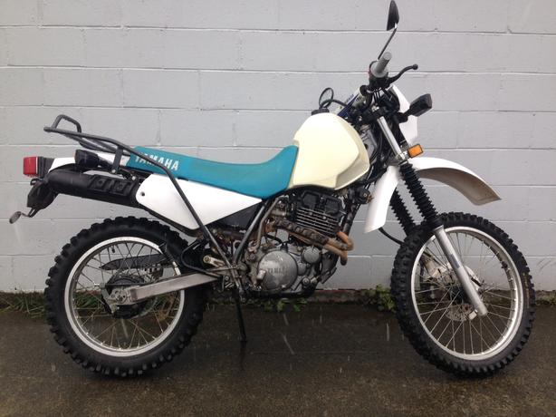 1992 Yamaha XT350 Dual sport street legal.