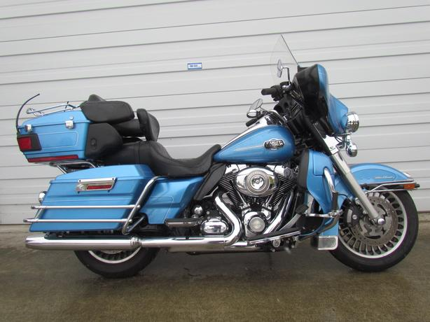 2011 Harley Ultra Classic beautiful condition $12500