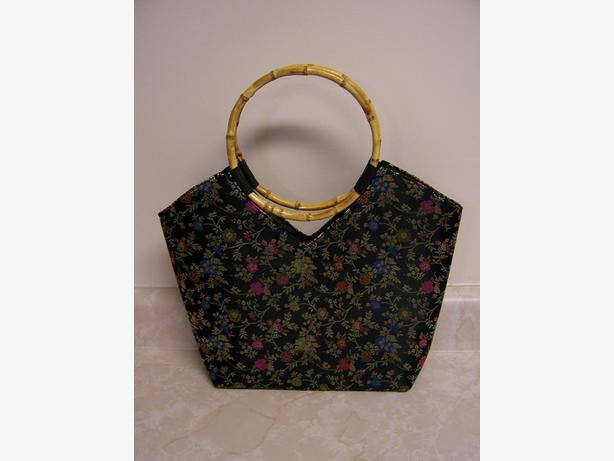 Black Purse w/flower design