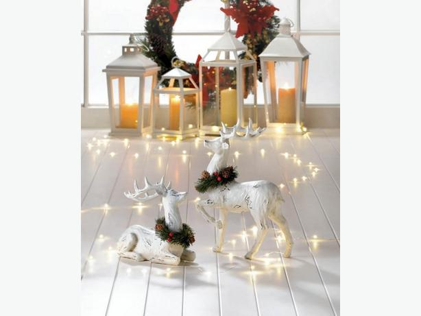 Hanging Christmas Wreath White Reindeer Statue w/Wreath Accent 3PC Mix