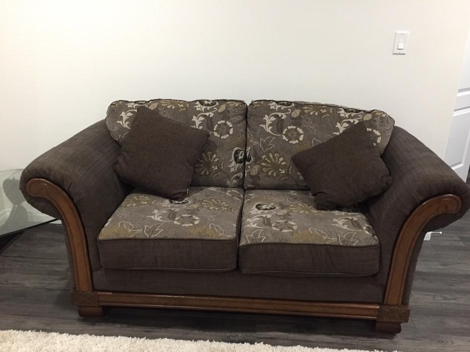 Living room furniture west regina regina for Used living room furniture