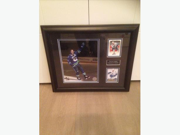 Framed Trevor Linden photo