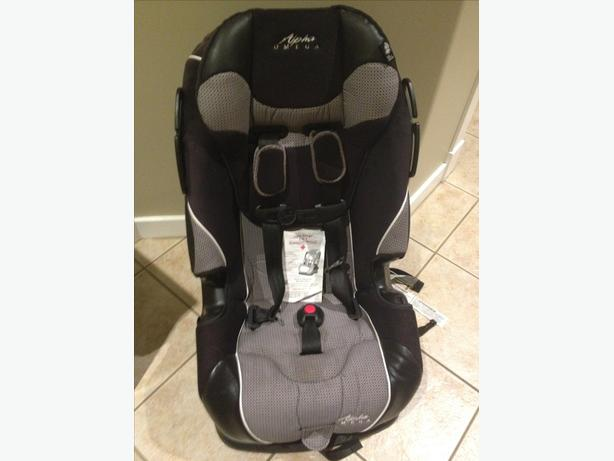 REDUCED!!!  ALPHA OMEGA 3-in-1 CARSEAT