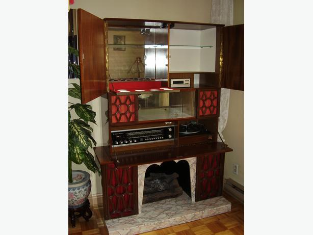 stereo with fireplace