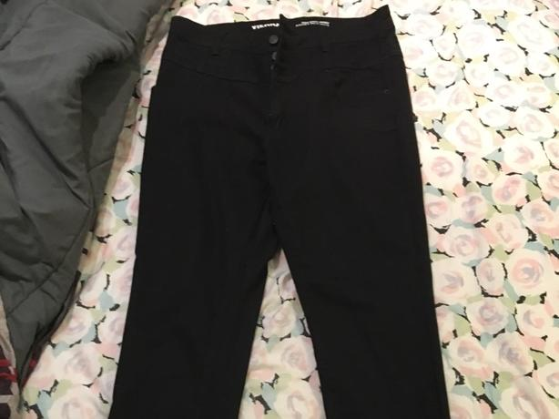 Black high waisted jeans never worn