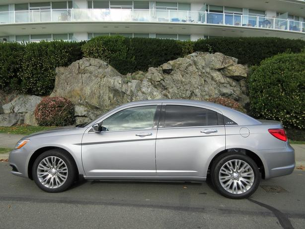 2014 Chrysler 200 Limited - ON SALE! - FULLY LOADED! - NO ACCIDENTS!