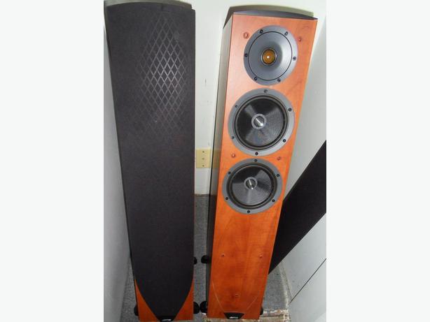 Jamo C605 Tower Speakers