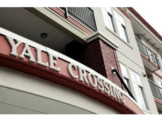 RARELY AVAILABLE Yale Crossing! Historic DT Abby!