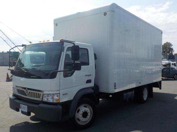 2010 International City Star CF 600 Diesel 16 Foot Cube Van w/ Power Tailgate