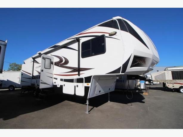 STUNNING VOLTAGE 5TH WHEEL TOY HAULER@ TRIANGLE RV