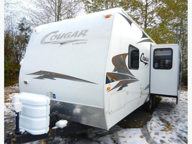 2008 Keystone RV Cougar 268RLS - Polar Pckg w Rear Living & Large Window!