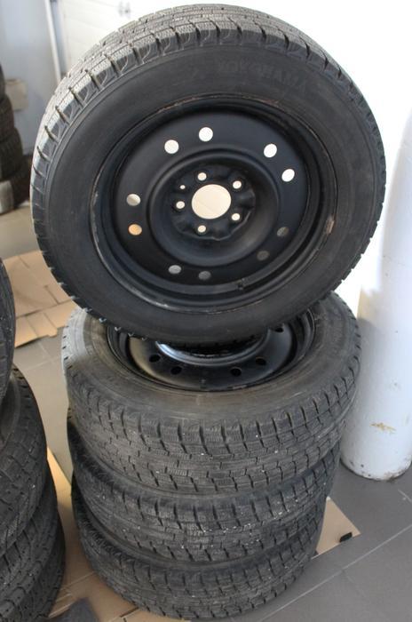 pre owned wheels and winter tires yokohama ice guard 205 60 r16 north regina regina. Black Bedroom Furniture Sets. Home Design Ideas