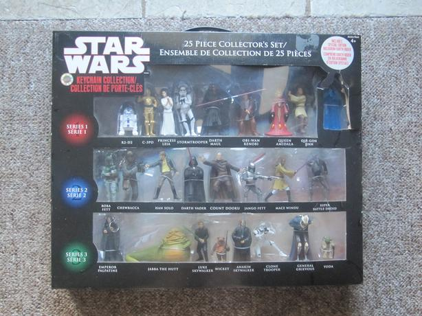 2008 Star Wars KeyChains Set of 25 RARE Canadian Issue with Darth Vader Hologram