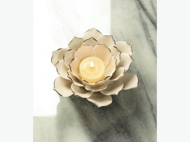 Sculpted White Flower Stoneware Candleholder Set of 4 Brand New