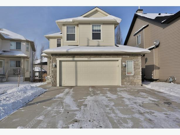 Fabulous Crystal Shores Home In Quiet Cul De Sac. Fully Dev Basement.