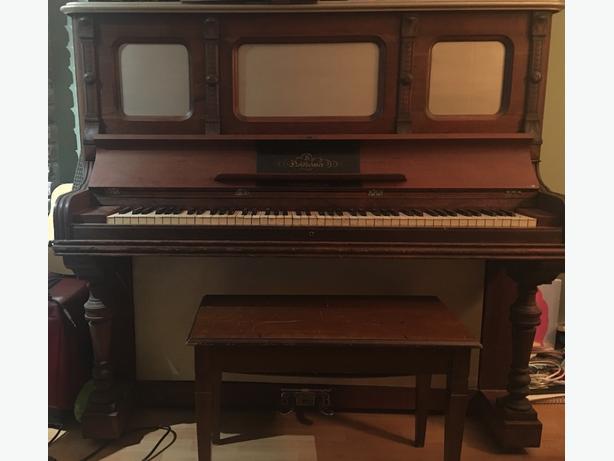 FREE: upright piano