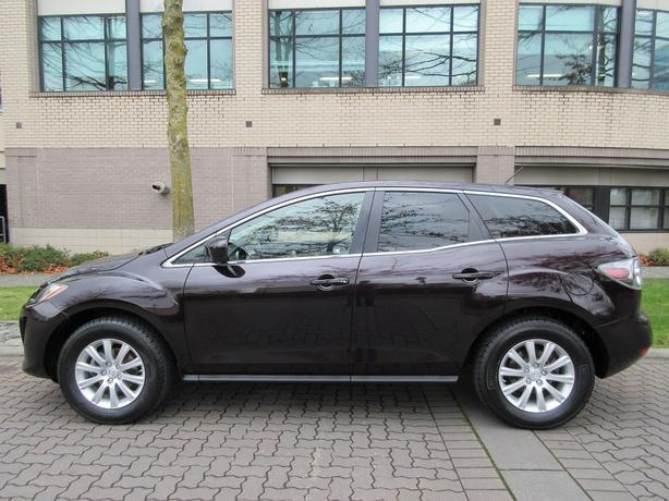 2010 Mazda CX-7 GX - ON SALE! - FULLY LOADED LEATHER!