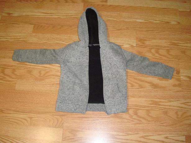 Like New Grey Fleece Coat Size 5 Toddler - $4