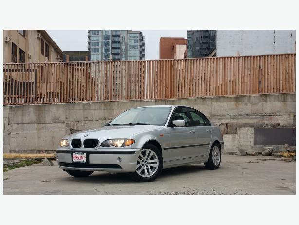 ** 2004 BMW 320i - AUTO - 127K - LEATHER -