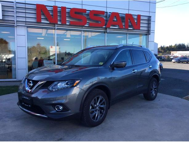 2016 Nissan Rogue SL Premium Moonroof, Leather Heated Seats!
