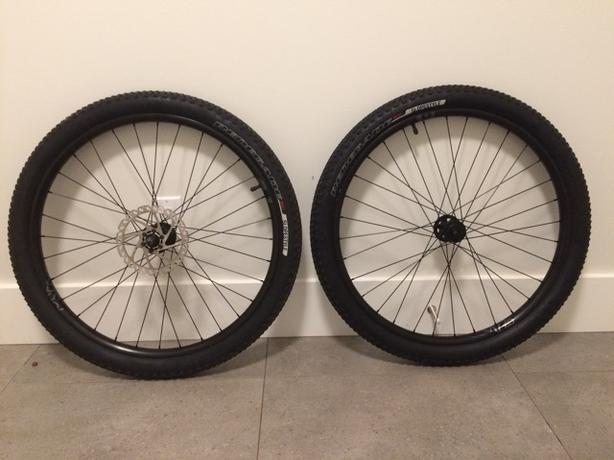 Brand new stock wheels from 2016 Specialized P3