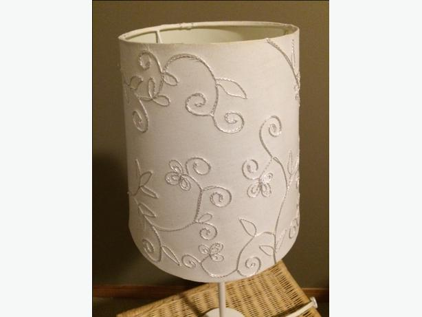 White Embroidered Table Lamp