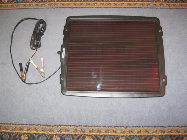 Solar panel for battery maintaining/charging