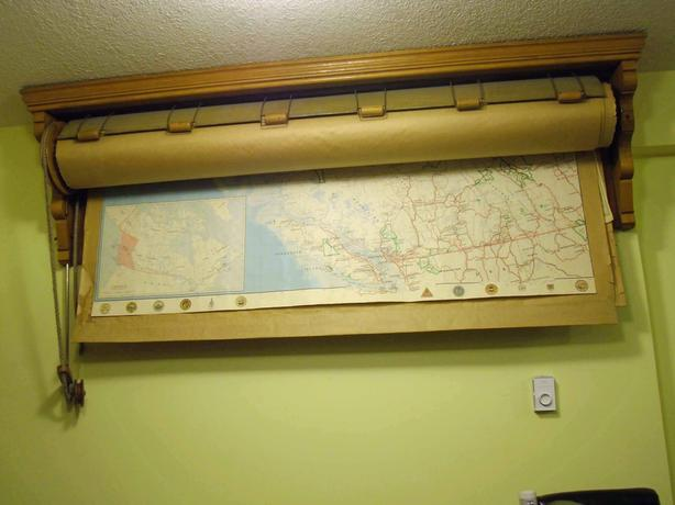 Antique Wall Map Pull Down Roller with Pulley  20 Maps of BC