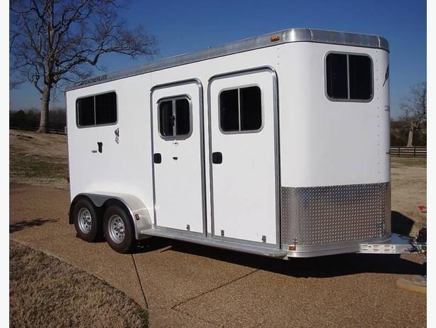 2008 FEATHERLITE DOUBLE HORSE TRAILER
