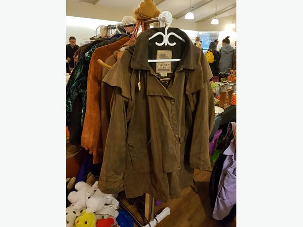 Vtg. Australian brown oilskin/coat-jacket. L -XL fit