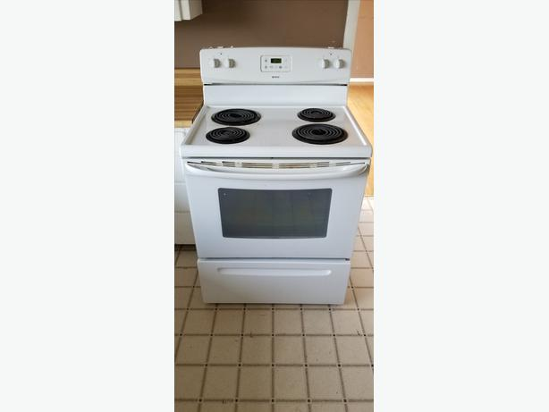 White Appliance Set (Stove, Fridge, Dishwasher)