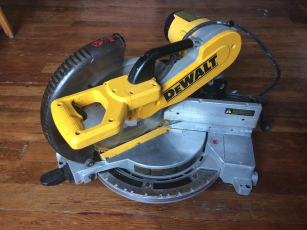 "12"" dewalt double bevelmitre saw"