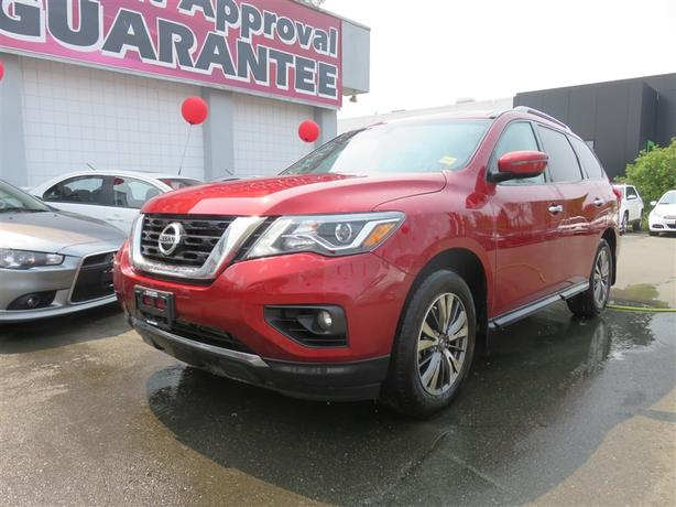 2017 Nissan Pathfinder SV Low KMs