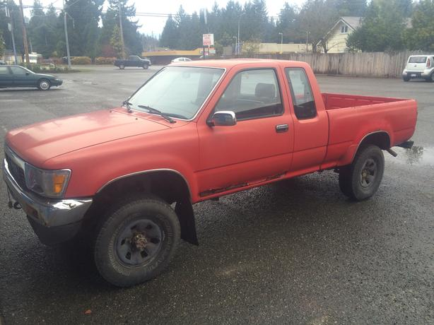 89 Toyota Pick-up, 4WD, XC, 22R-E, manual trans