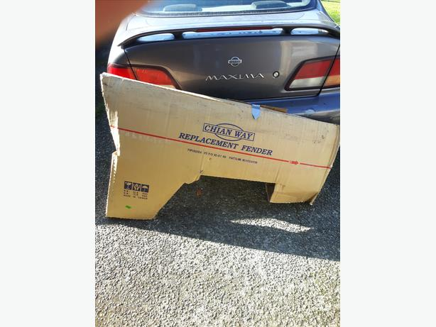 New In Box - Front Fenders for 92-97 Old Body Style F150/250/350