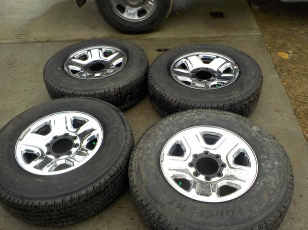 Ford 18 inch 275 /70 with rims 2010 up F250 or F350 M+S