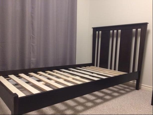 Twin bedframe