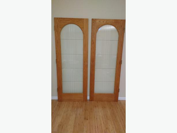 BEAUTIFUL OAK FRENCH DOORS!