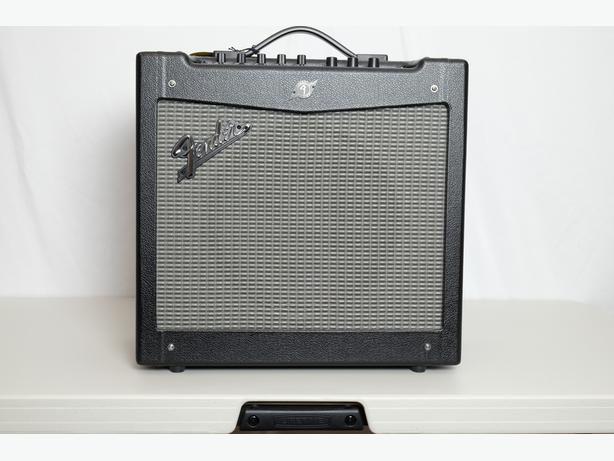 Fender Mustang II Amp