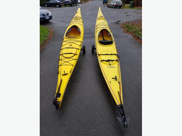 2 kayaks + karts