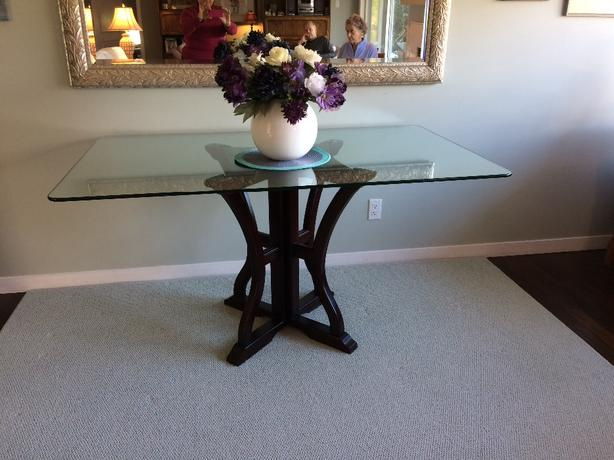 glass dining table with pedestal